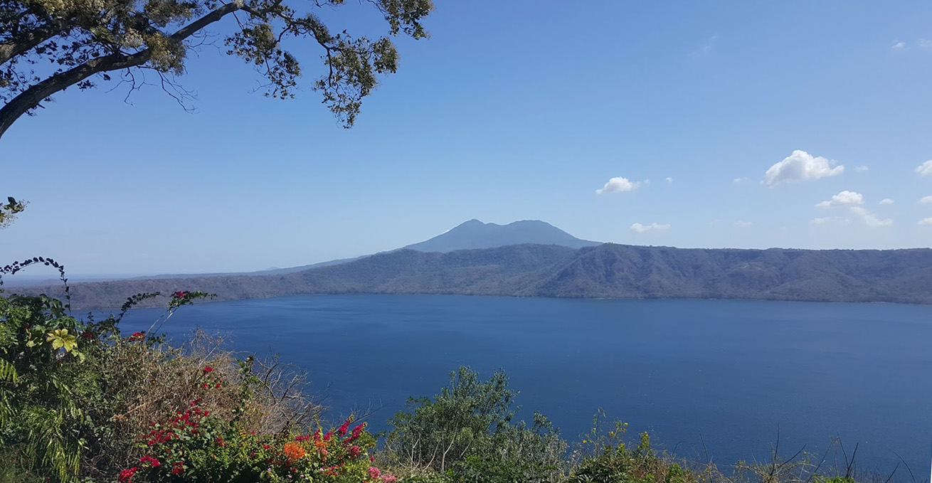 nicaragua-lake-apoya